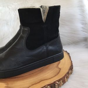 Frye Shoes - Frye leather side zip shearling lined boots
